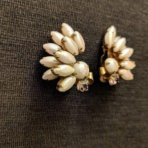 Jewelry - Vintage Flacon Wings Clip On Earrings